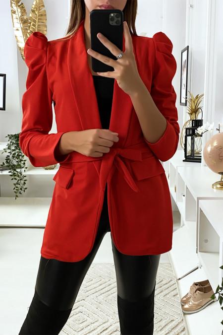 Blazer rouge avec épaules bouffante et ceinture