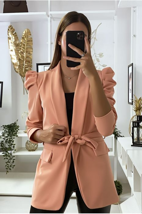 Blazer rose avec épaules bouffante et ceinture