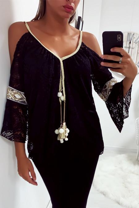 Jolie haut noir en dentelle épaules dénudé avec accessoire au col