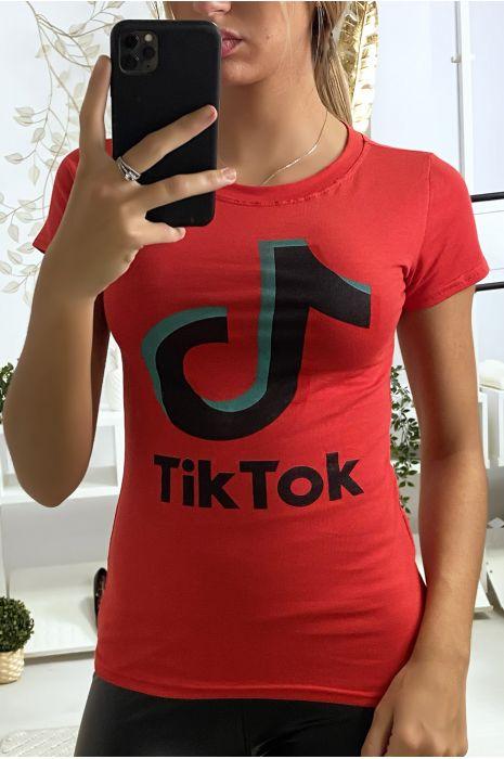 Tee shirt en coton rouge avec écriture TIKTOK