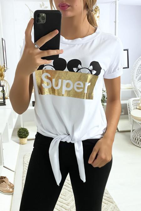 Wit t-shirt met SUPER tekst en strik op de voorzijde