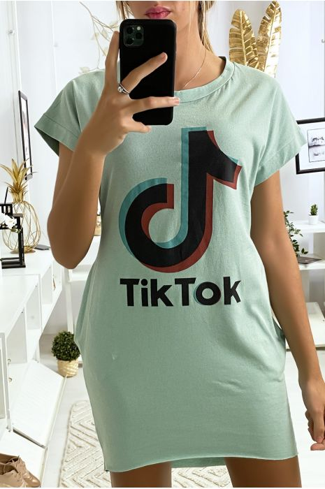 Robe tee shirt vert d'eau avec poche et écriture TIKTOK