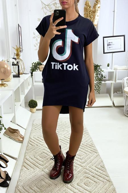 Navy T-shirtjurk met zak en TIKTOK-tekst