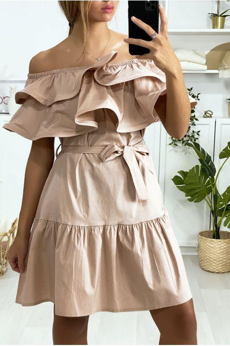 Roze jurk met boothals met ruches en riem