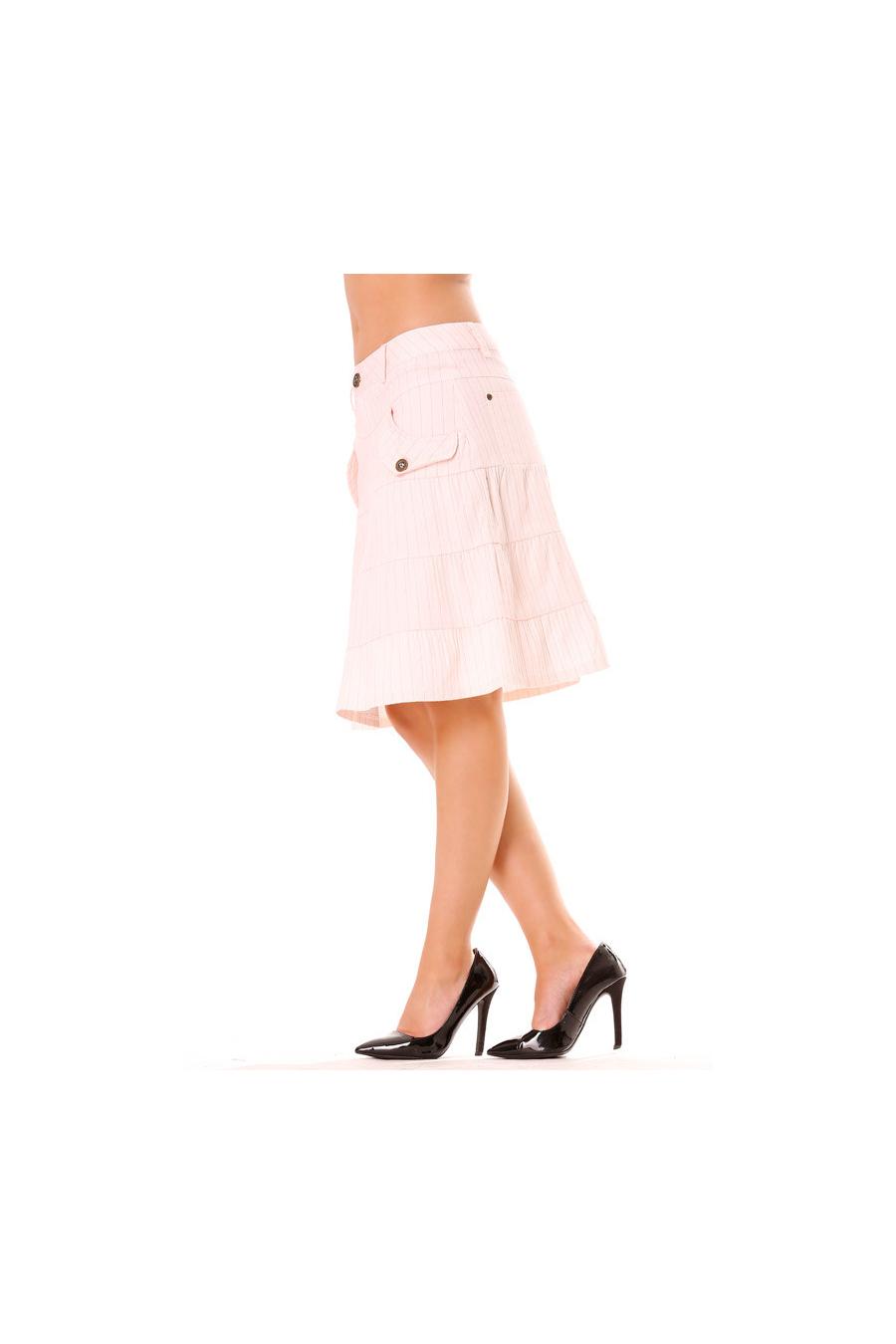 Wit gestreepte mid-knie wijd uitlopende rok met steekzakken. Vrouwenkleding