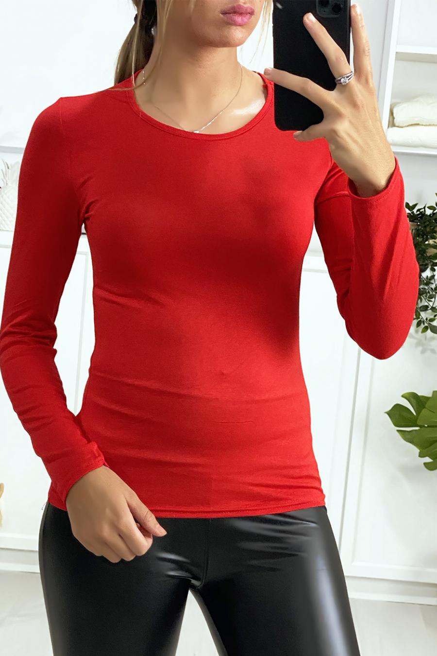 Sous-pull rouge à col rond très tendance. Vêtement femme pas cher.