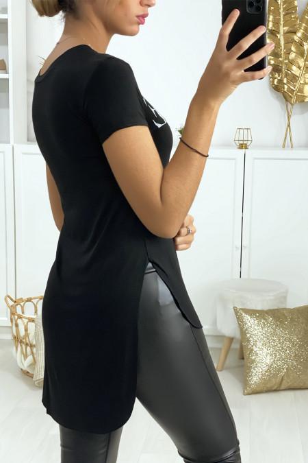 Langer zwart T-shirt aan de achterkant met VOGUE-opschrift