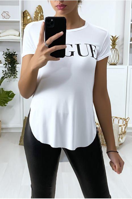 Tee-shirt blanc plus long à l'arrière avec écriture VOGUE