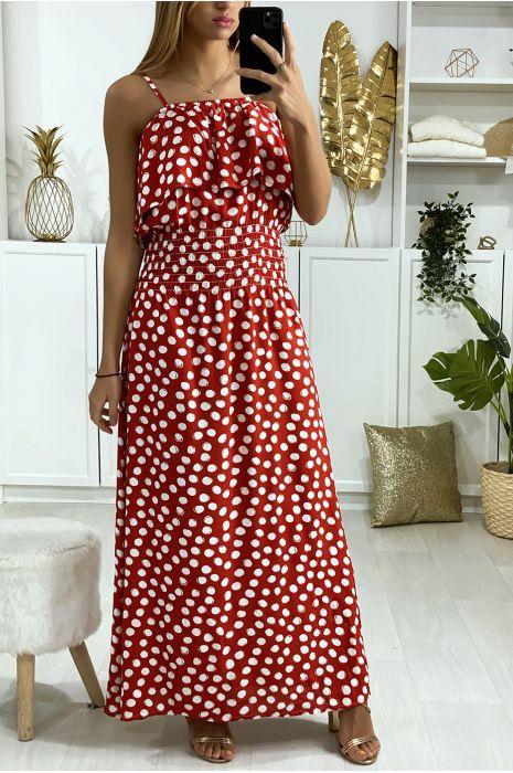 Longue robe rouge à pois avec volant et élastique à la taille