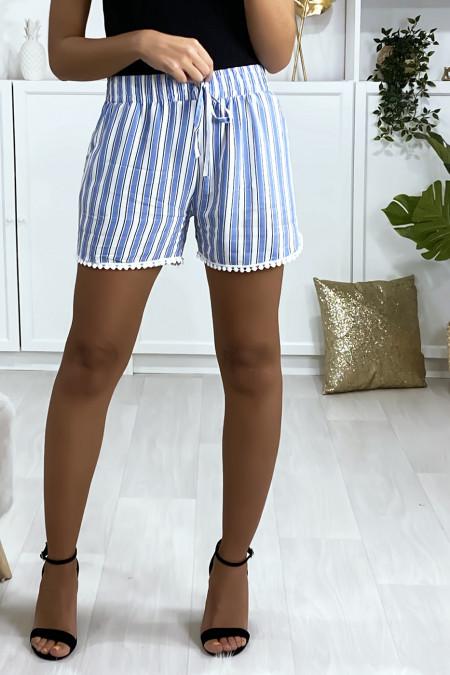 Blauw met wit gestreepte katoenen short met steekzakken
