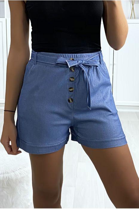 Short en jeans bleu clair avec boutons poches et ceinture