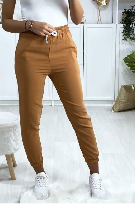 Camelkleurige joggingbroek met strakke zak onderaan