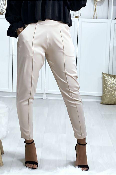 Pantalon cigarette satiné en beige avec poches et plis devant