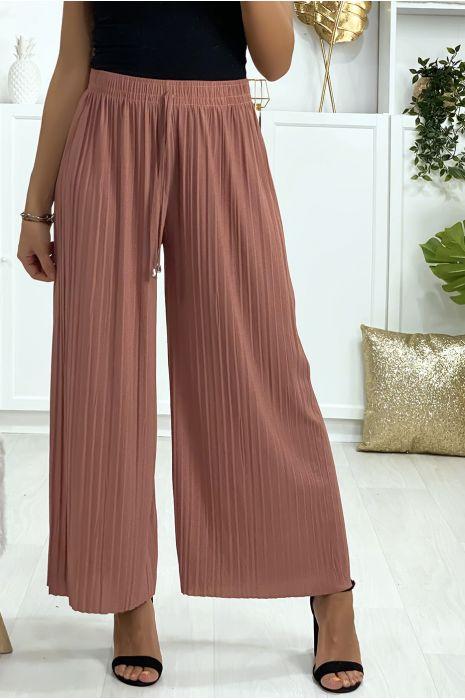 Pantalon palazzo plissé en fuchsia. Mode femme