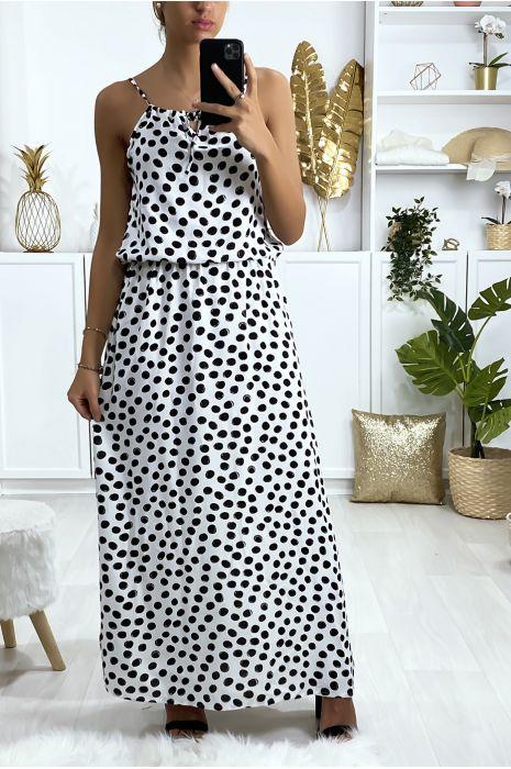 Longue robe blanche motif pois avec bretelle et élastique à la taille
