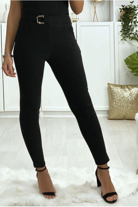 Pantalon slim noir avec poches et boucle à la ceinture