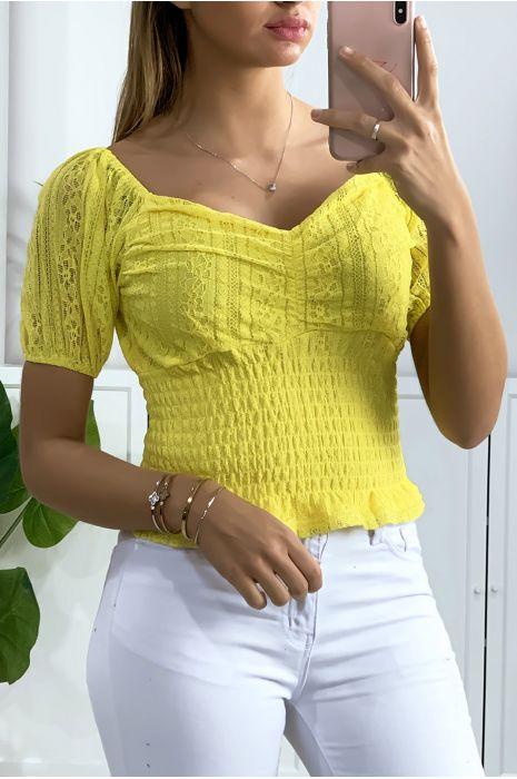 Crop top en dentelle jaune avec élastique à la taille