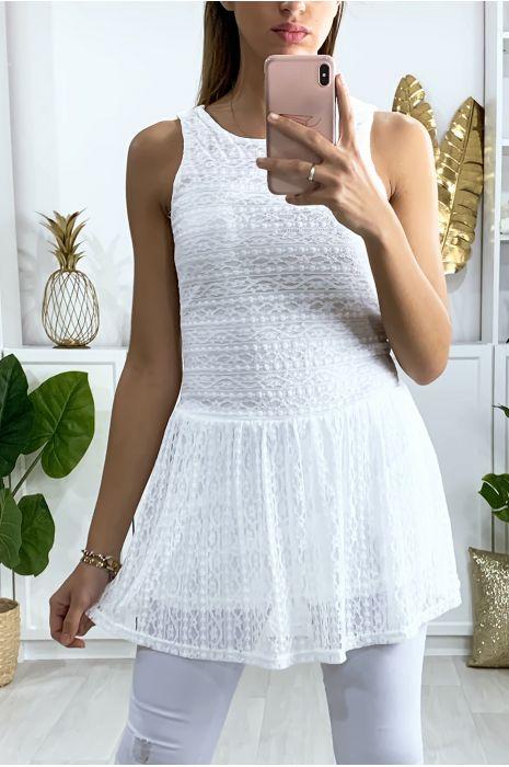Robe tunique en dentelle blanche avec fermeture au dos