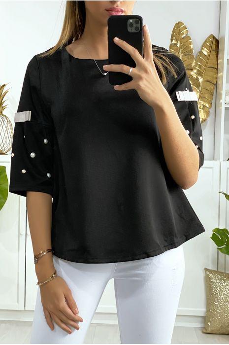 Zwarte blouse 3/4 mouw met parel en zwart lint op de mouwen en rug