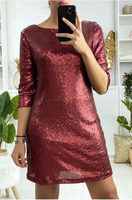 Gevoerde rode jurk met lovertjes en open rug