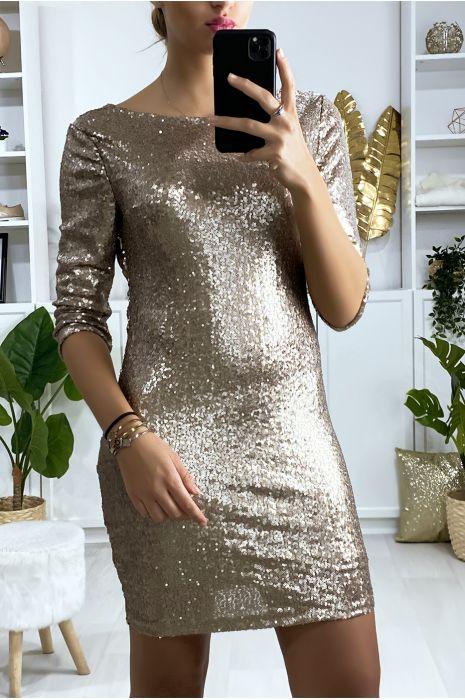 Gevoerde jurk met gouden lovertjes en open rug