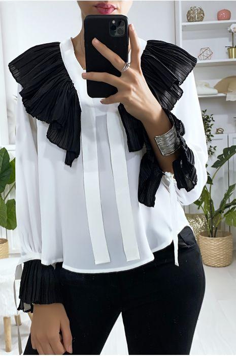 Blouse blanche avec plissé au col et aux manches en noir