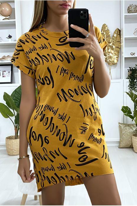 Sweat robe moutarde avec poche et motif écriture