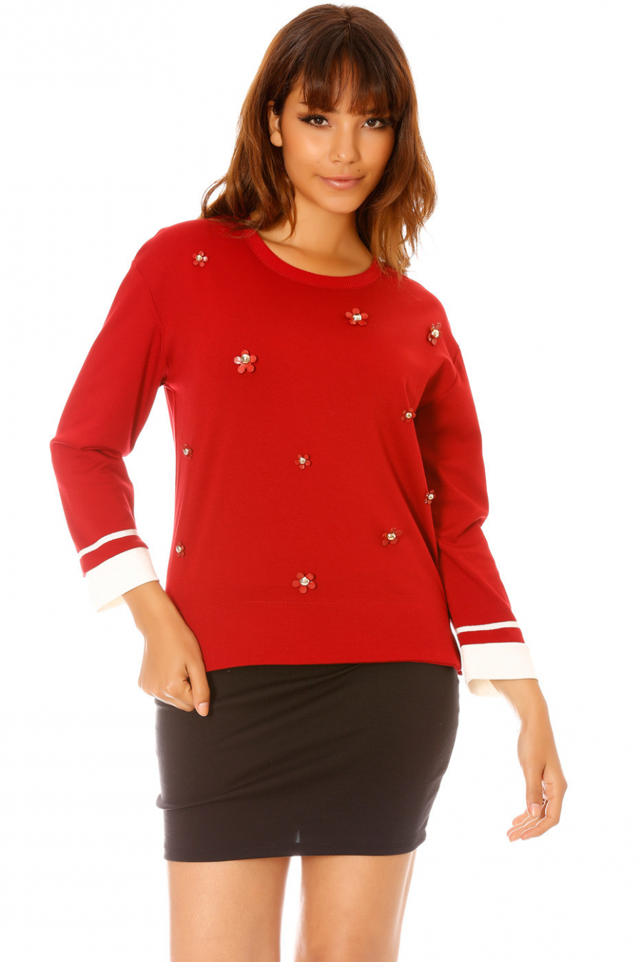 Burgundy sweatshirt with flower jewel. 2540