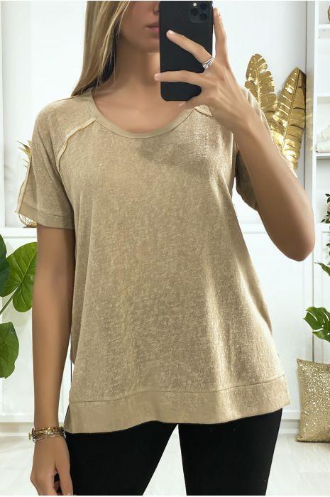 Tee-shirt camel très sportive avec fente et bandes doré