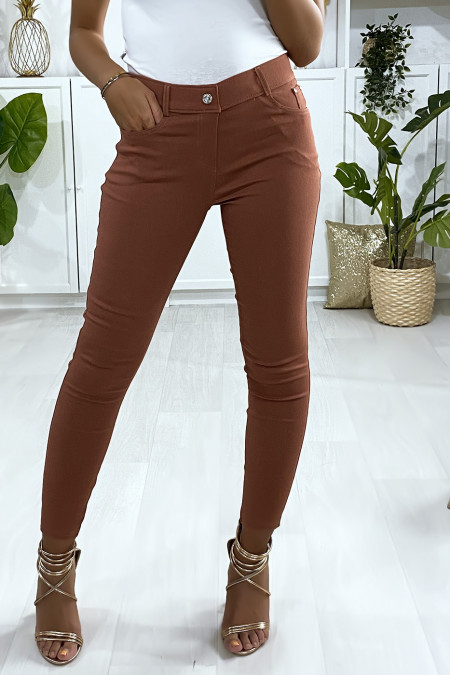 Cognac slim fit broek, basic met voor- en achterzak