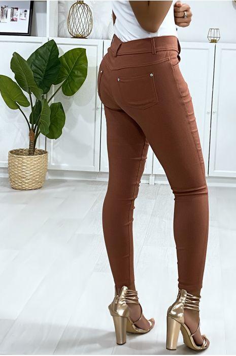 Pantalon slim cognac, basic avec poche avant et arrière