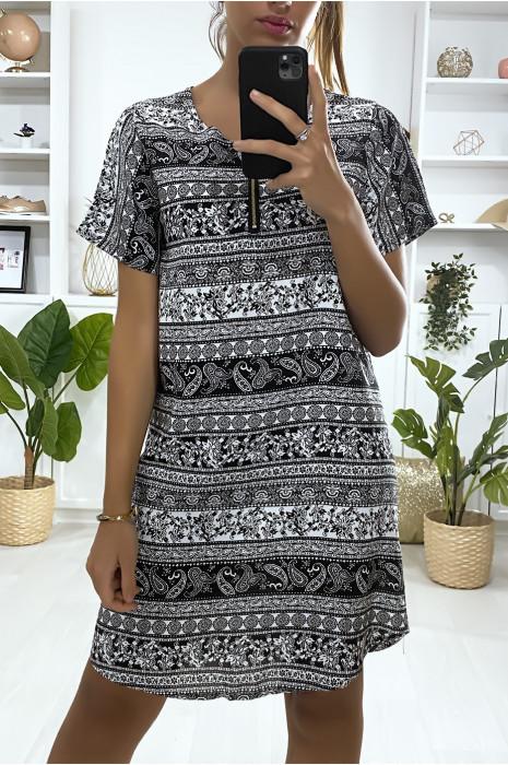 Robe tunique à à motif noir et blanc avec zip au col