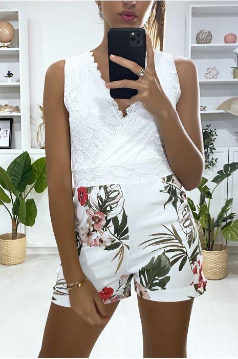 Combi-short bi matière en blanc motif fleuris et dentelle