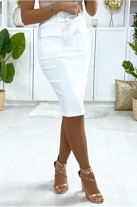 Jupe blanche stretch avec poches saharienne et ceinture