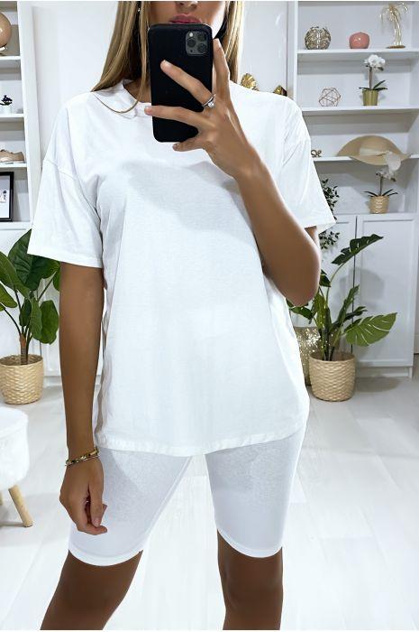 Zeer modieuze witte oversized short en t-shirt set