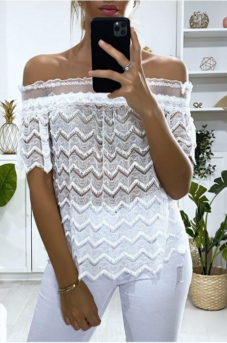 Witte kanten blouse met boothals