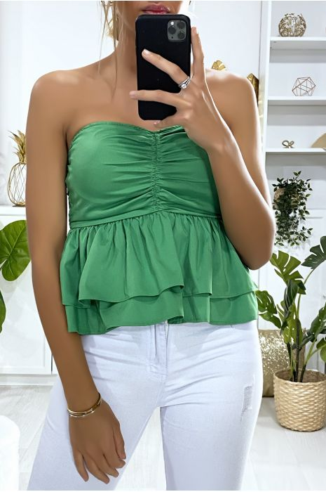 Top vert dénudé à volant. Mode femme fashion