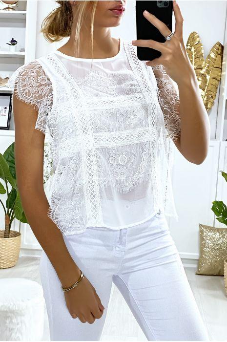 Witte kanten blouse met volant