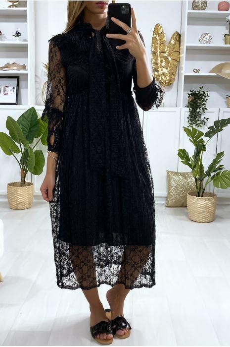 Lange zwarte kanten jurk met volant