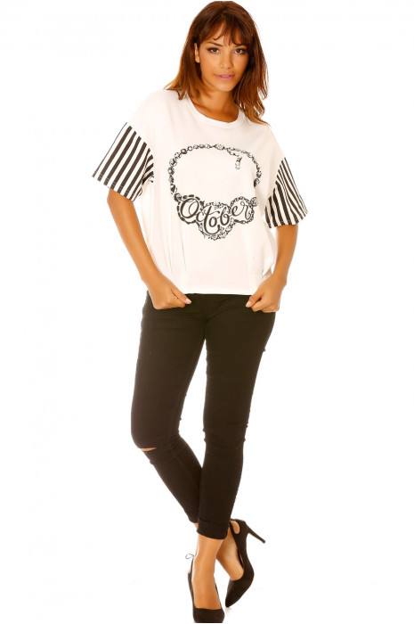 T-shirt met gestreepte mouwen en plooien aan de onderkant van het kledingstuk, oktober-motief. Vrouw MC 1244