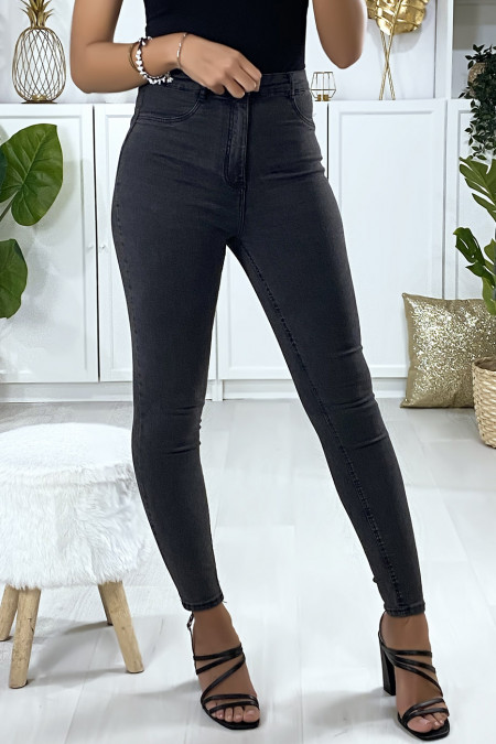 Slim jeans in washed black with mock front pockets