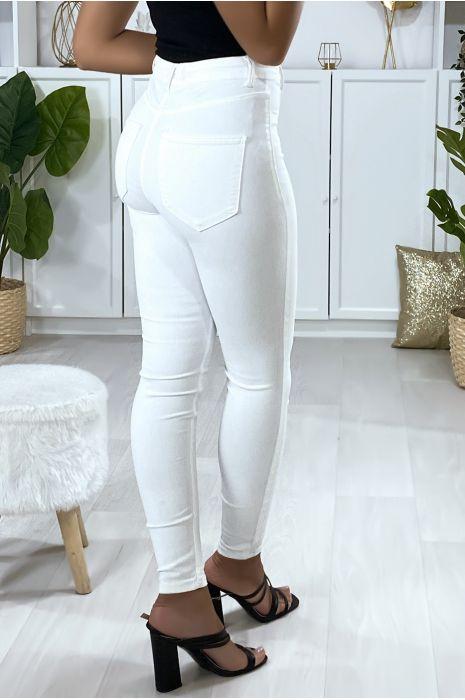 Jeans slim en blanc avec fausse poches à l'avant