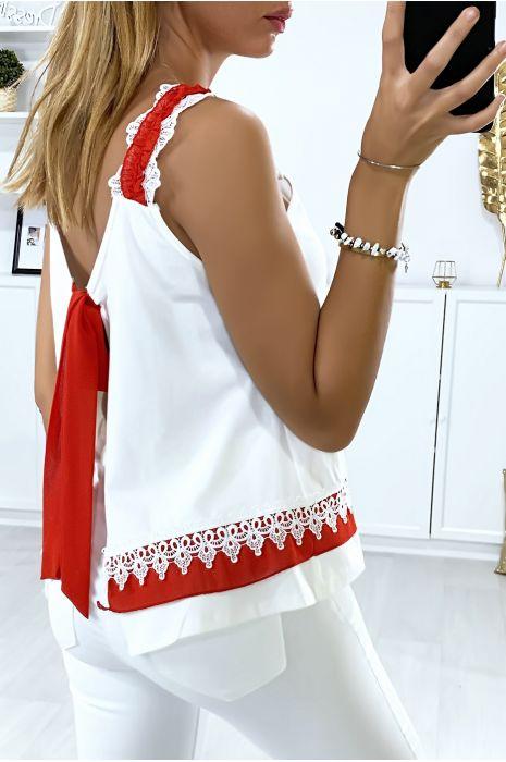 Top blanc avec dentelle ouvert au dos avec noeud