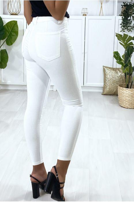 Jeans slim en blanc avec poches à l'arrière