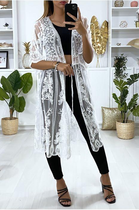 Long kimono en dentelle blanche