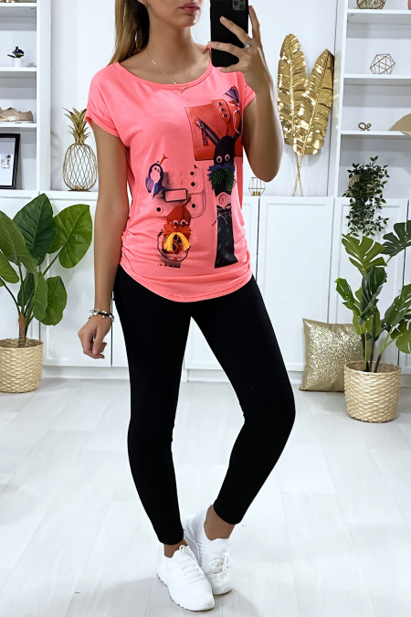 Fuchsia T-shirt with design on the front