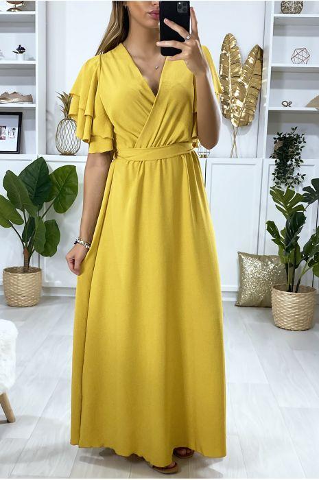 Longue robe moutarde croisé au buste avec volant aux manches
