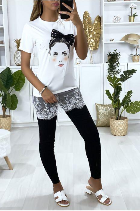 T-shirt blanc avec dessin strass et dentelle