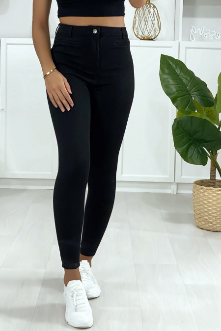 Slim jeans in black with back pockets