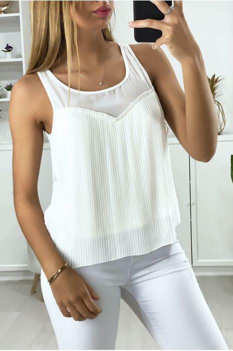 Witte blouse gevoerd en geplooid aan de voorzijde